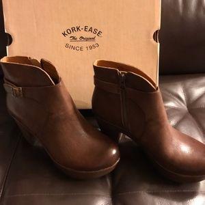 New In Box Kork Ease booties